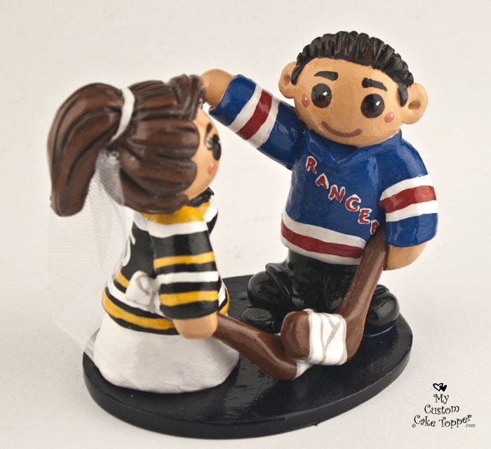 custom hockey wedding cake toppers hockey wedding cake topper and groom 13202