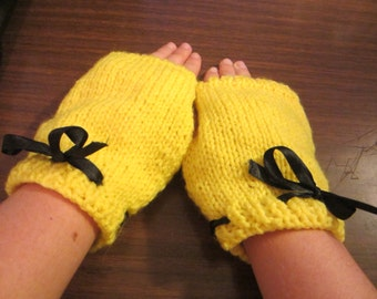 Yellow and Black Finger-less Gloves