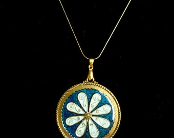 "SALE! 20"" Gold Tone Necklace with Intricate Blue Flower Pendant"