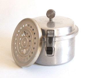 Vintage Mirro Cookie Press Hand Crank By Lauraslastditch
