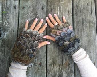Crochet Crocodile-Stitch Gloves (Pattern)