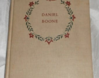 Daniel Boone by John Mason Brown Illustrated by Lee J. Ames Vintage Book