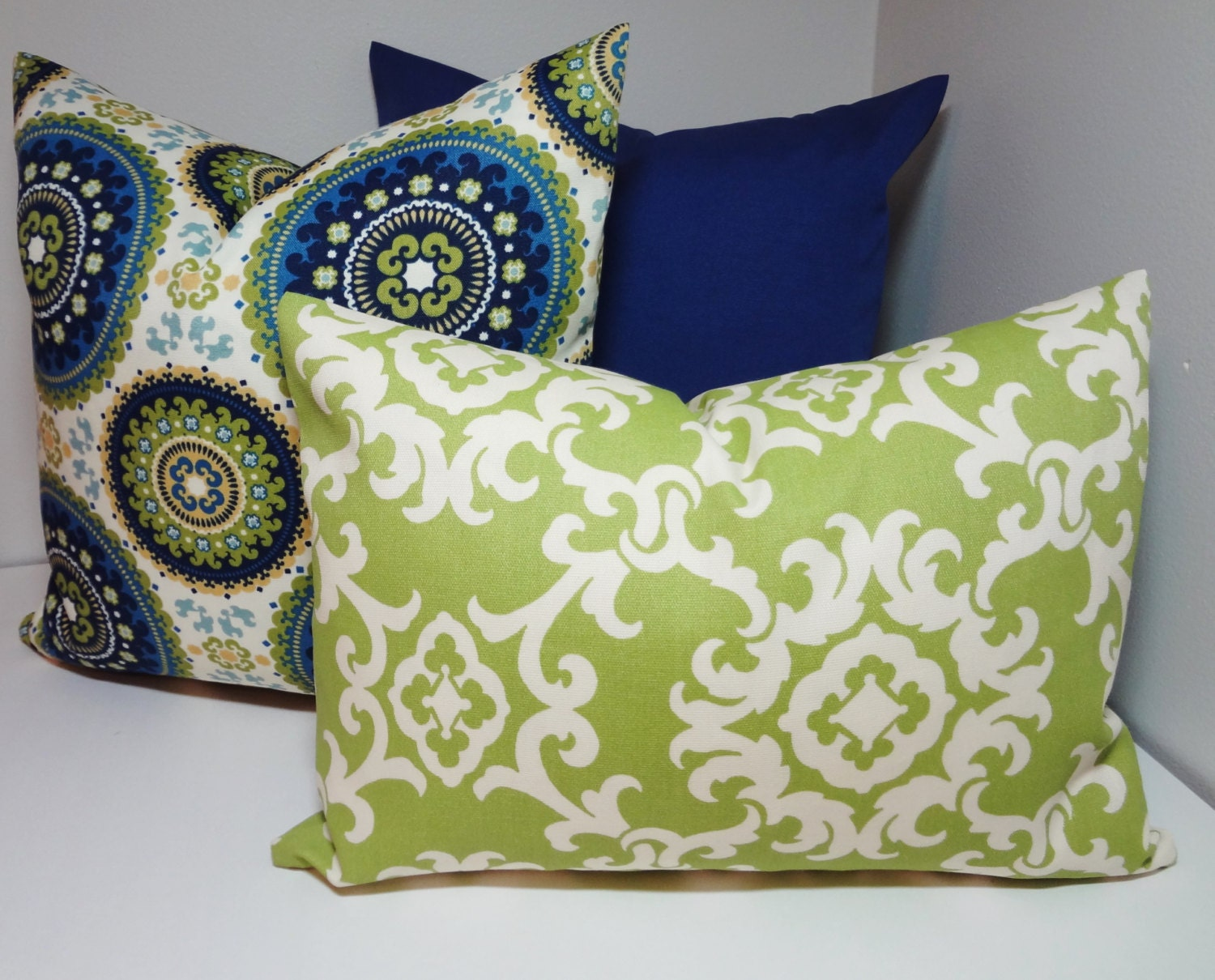 OUTDOOR Pillow Trio Royal Blue Green Medallion Print Solid