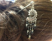 Vintage Style Antiqued Silver Faux Black Gemstone Chandelier Dangle Hair Stick STAR2