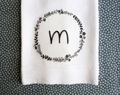 Personalized Tea Towel, Initial Tea Towel, Kitchen Towel,  Floral Wreath Towel, Letter Tea Towel, Flour Sack Towel, Hostess Gift, Custom