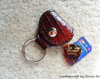 100% hand stitched gator embossed cowhide leather keychain / guitar pick / golf ball marker / SD card holder with Fender Celluloid pick