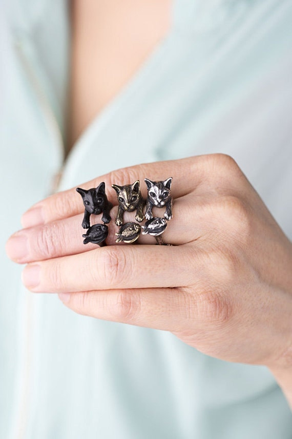 YaciKopo handmade cat with fish ring black / silver / golden colour
