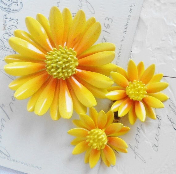Yellow Fall Flower Brooch Set