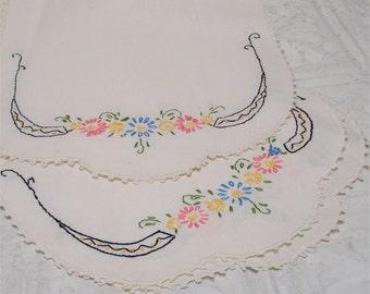 10x13 Embroidered Floral Dresser Scarf Set 2