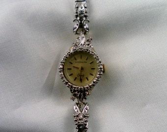 Vintage 1980's Wittnauer Elegant Ladies 5 Jewel Quartz Watch.  Antique Style Case,  Stainless Steel Stretch Band. Swiss M6022 Mvt. Runs.