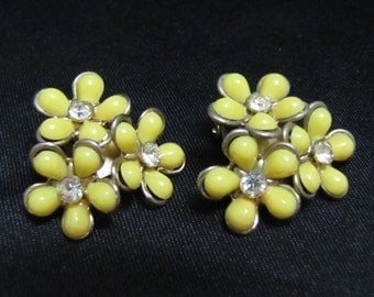 C1950's Yellow Plastic Flower Earrings