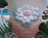 Hull Pottery Vase Dual Handle Water Lily Flower Design Soft Pastel Blush Blonde L8 Original Sticker