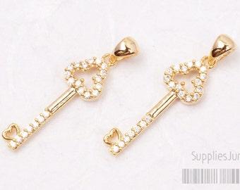 P417-01-G// Glossy Gold Plated Cz Key Pendant, 1pc