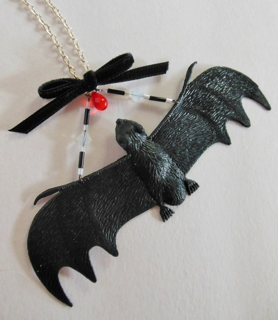 Black Bat Beaded Halloween Statement Necklace