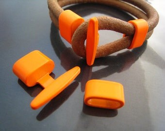 Finding - 1 Set Neon Orange Metal T-Bar Hook Loop Clasp Buckle Toggle End Cap with Spacer for Leather Cord
