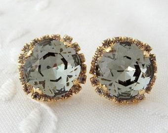 Gray Swarovski crystal stud earrings, Large Gray Black diamond Rhinestone earrings, Smokey gray, Bridal, Bridesmaid earrings, 14k gold plat