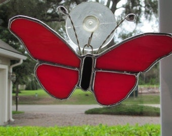 "Red/White Swirled Opalescent Glass Butterfly 5.5"" x 3.5"" Suncatcher - In Flight"