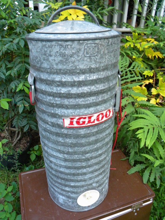 Clean vintage 1950s heavy duty perm a lined 5 gallon - Igloo vintage ...