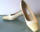Vintage Etienne Aigner Made in Spain Bone & Lemon Pumps Size 10 US