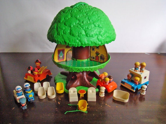 Vintage Kenner Tree Tots Tree House With Extras By General