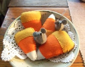 Primitive bowl fillers Fall Halloween Candy Corns with mice set of 6 wool felt FFCOFG