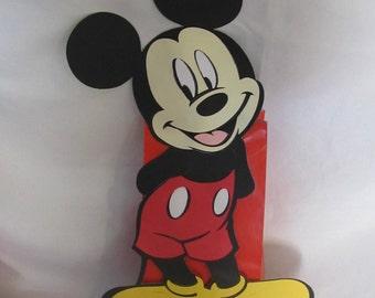 Mickey Mouse Party Balloon Centerpiece