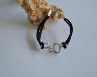 Jewelry... Stylish Charm on Black Suede Bracelet (0955)