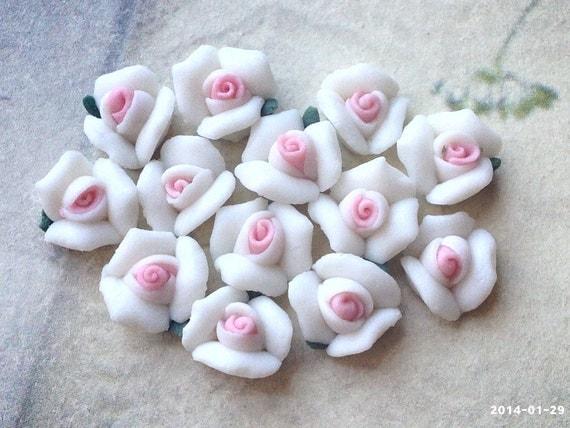 Pequeñas rosas de porcelana parte posterior plana .tm de