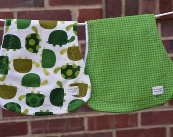 Green Turtle and Houndstooth Burp Cloth Set