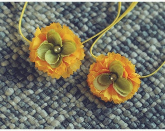 RTS TWIN SET flower headbands in yellow and green with a pearl center on skinny elastic great photo prop