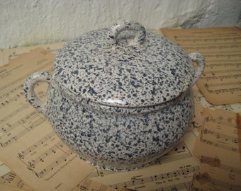 Vintage 1960-1970s Ceramic Bean Pot Casserole Dish Soup Tureen with Lid - dappleware pebbleware finish