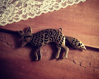 2 Pcs Fox Charms Antique Bronze Vintage Style Pendant Charm Jewelry Supplies (BD068)