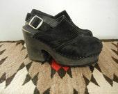 SALE // 90s Black Suede Platform Closed Toe Sling Back Clog Sandals Size 5