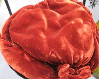 1940s brown silk velvet fascinator with a twist!