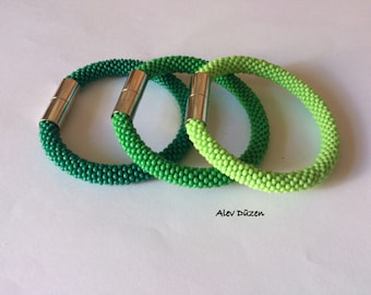 3 Green Bead Crochet Bracelets / Beaded Crochet Bracelet / Green Bead Crochet Bracelets / Green Bangle Bracelets