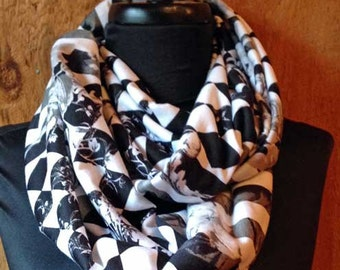 Knit infinity scarf - Black & White