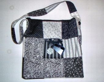 QUILTED PURSE Black & White Over the Shoulder IPad and Kindle