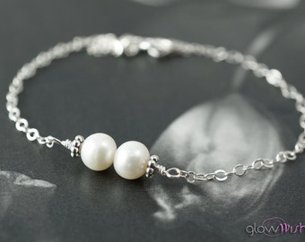 Freshwater pearl bracelet, Flower girl, White pearl, Silver bracelet, Thin chain, Bridesmaid gift, Gift for brides, Bride jewelry