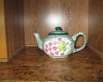 Vintage Teapot from China - Item 14-1173