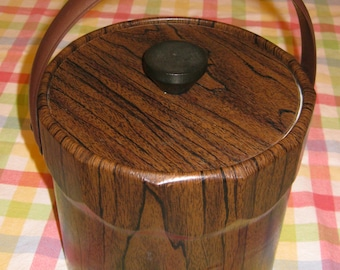 "Vintage 70's Faux Wood Vinyl Ice Bucket   ( 7.25"" Tall 7.5""  diameter)"
