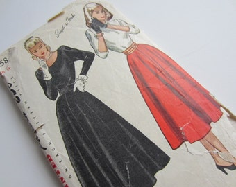 Elegant Vintage 1940's Simplicity 2258  Sewing Pattern two piece dress size 16 bust 34