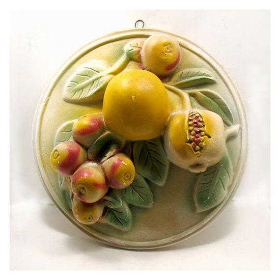 Vintage large chalkware fruit plaque kitchen kitsch retro for Plaque deco cuisine retro