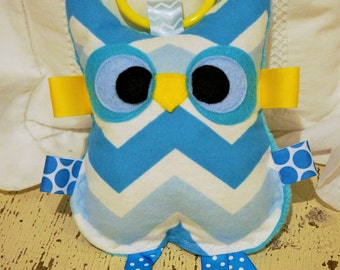 Baby girl toy, Baby boy toy, Crinkle toy,  Owl toy, baby toy, Huggable baby owl crinkle toy,  Embroidered name is included in the price.
