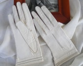 Very Fine Vintage Ivory Kid Leather Gloves with Black Stitched Detailing
