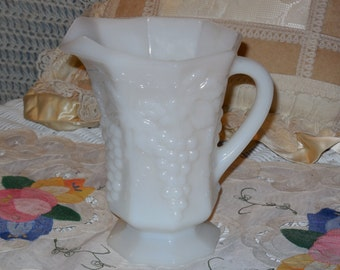 Pretty Grape Harvest Pitcher /:)S/ SALE Use Coupon Code CLEARINGOUT25 Must Be used at check out can not change after paying for item...