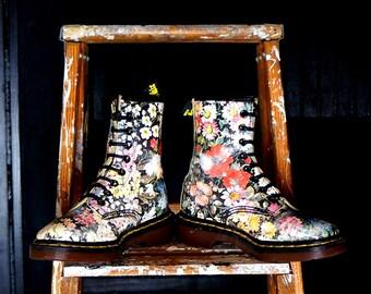 Dr Martens Vintage Boots Floral 8 Eye Flower Docs  UK 2 US 4 Leather DMs Vintage Doc Martens Sienna Miller Punk Grunge Shoes Made in England