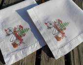 Set of 2 Cloth Napkins. Garden Print. Housewares. Home Decor.