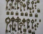 Bronze Key Lot-44 pcs