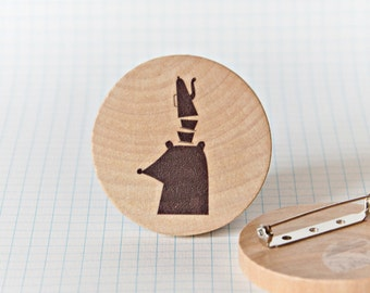 Illustrated wooden brooch - Bear