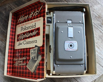 Vintage Polaroid Highlander 80 Camera '60 seconds from snap to print'- 1954-57 excellent condition with original box and assorted  brochures